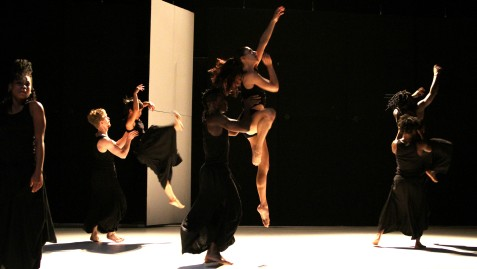 "steptext dance project (EU/AFR) ""The House That Never Walked / Homescapes"""